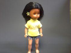 Vintage Souvenir Hawaiian Doll Surf Hawaii by GimiKimi on Etsy Hawaii Surf, Hawaii Travel, Hawaiian Girls, Yellow T Shirt, Long Black Hair, Long Beach, Girl Dolls, Her Hair, Super Cute