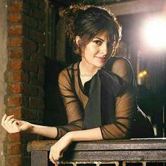 Beautiful Film, Most Beautiful Indian Actress, Beautiful Girl Image, Bollywood Actors, Bollywood Celebrities, Bollywood Saree, Bollywood Fashion, Actress Bikini Images, Star Wars