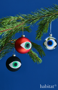 Why not add a quirky and fun twist to your Christmas tree. Colorful Christmas Tree, Christmas Bulbs, Christmas Decorations, Holiday Decor, Habitats, Celebrations, Fun, Gifts, Ideas