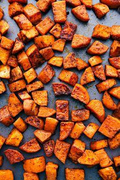 Sweet Potato Oven, Steamed Sweet Potato, Sweet Potato Wedges, Sweet Potato Recipes, Veggie Recipes, Cooking Recipes, Steamed Potatoes, Healthy Recipes, Salads