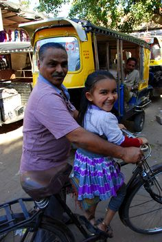the cutest little girl, we met at Jodhpur's market Rang De Basanti, Chauffeur Privé, Bike India, A Passage To India, India Images, Amazing India, Indian Colours, Jodhpur, Cute Little Girls