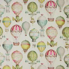L'envol - Fantastisk tapet från Manuel Canovas fylld med vackra luftballonger i härliga färger och former. Offwhite bakgrund med mönster i främst gult, grönt, turkos och rosa.
