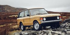 Obsessing Over the Nifty Details on the Earliest Range Rover