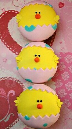 easter cupcakes - would make cute cake pops too! Holiday Cupcakes, Easter Cupcakes, Easter Cookies, Yummy Cupcakes, Easter Treats, Cupcake Cookies, Mocha Cupcakes, Gourmet Cupcakes, Strawberry Cupcakes
