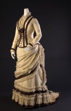 Afternoon dress, ca. 1880. The perfect coffee-drinking dress!