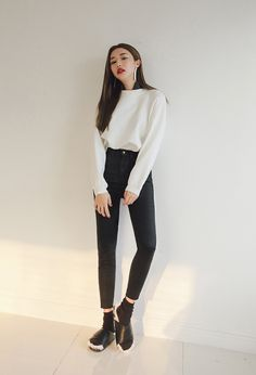 Side Slit Crew Neck Knit Top | STYLENANDA