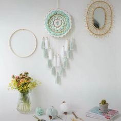 Diy Crafts For Home Decor, Diy Crafts Hacks, Diy Crafts For Gifts, Diy Arts And Crafts, Dream Catcher Decor, Doily Dream Catchers, Dream Catcher Mobile, Dream Catcher Boho, Diy Wall Art
