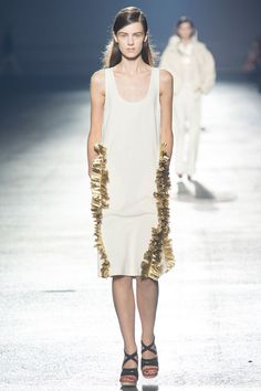 Dries Van Noten Spring 2014 RTW - Review - Fashion Week - Runway, Fashion Shows and Collections - Vogue