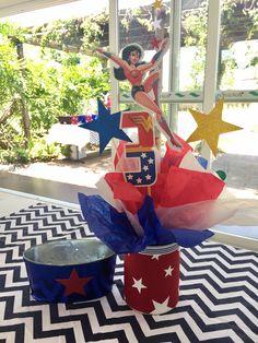 Wonder Woman Centerpiece Twins Bday Superhero Birthday Cake, Superhero Party, Birthday Fun, 1st Birthday Parties, Wonder Woman Birthday, Wonder Woman Party, Minnie Mouse Rosa, Bolo Fack, Wonder Woman Cosplay