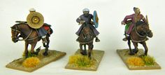 Cavalerie légère sarrasins & maures Moyen-âge                                                                                                                                                                                                                                                          12 figurines 12 chevaux en plastique à monter et à peindre Gripping Beast, Age, Bookends, Home Decor, Middle Ages, Mockup, Plastic, Figurine, Decoration Home