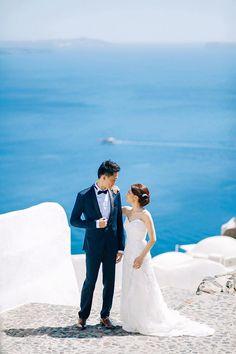Here's to the sweetest Mr&Mrs ❣  #weddinginSantorini #Santoriniisaheavenonearth 🔹