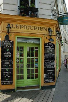 cute storefront in Montmartre Paris, France.By Cafe au Lait Cortney Dw Shop, Cafe Shop, Café Theatre, Café Restaurant, Paris Cafe, Montmartre Paris, Café Bar, Shop Fronts, Shop Around