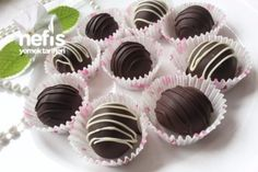 Yalancı Kestane Şekeri Tarifi East Dessert Recipes, Dessert Table Decor, Mini Cupcakes, Tart, Deserts, Food And Drink, Rage, Cooking, Alkaline Recipes