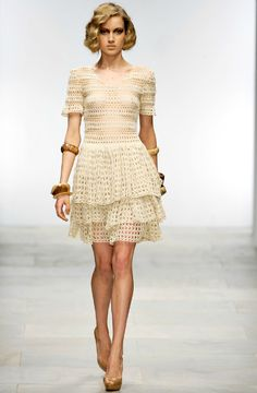 by Mark Fast , 2012 Collection ...  CROCHET/TRICOT INSPIRATION MORE: http://pinterest.com/gigibrazil/crochet-summer/