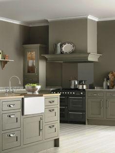BQ carisbrooke kitchen cooke and lewis Shaker Style Kitchen Cabinets, Green Kitchen Cabinets, Shaker Style Kitchens, Kitchen Cabinet Styles, Shaker Kitchen, Home Kitchens, Gray Cabinets, Ikea Kitchens, Kitchen Floors