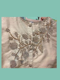 wedding blouse designs with maggam work Salwar Designs, Saree Blouse Designs, Blouse Patterns, Hand Embroidery Designs, Beaded Embroidery, Embroidery Patterns, Embroidery Fashion, Lesage, Mode Style