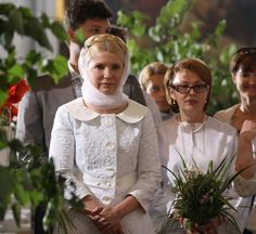 Yulia Tymoshenko's angelic dressing. On her image consultant's advice!