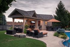 Spacious Outdoor Living - contemporary - pool - toronto - by Betz Pools Limited