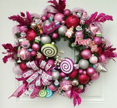 Candy Christmas Wreath Cupcakes and Lollipops in Pink | eBay