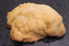 Des biscuits prêts en 15 minutes, cuisson comprise, ça vous tente ? Et ce petit goût délicieux de sirop d'érable autre part que sur des pancakes, vous en rêviez ? Et bien maintenant c'est possible, et grâce à qui, grâce à moi bien sûr ! Pour 30 petits...