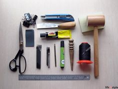 """The most frequently asked questions about leather craft, """"what tools should I buy?"""" Oh well, here you are the very very basic tools for beginner."""