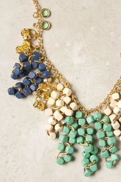 collar con cadenas y cuentas -- by Anthropologie.com
