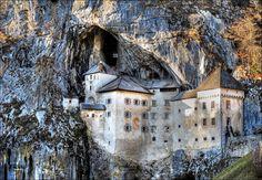 Предъямский замок в пещере, Словения