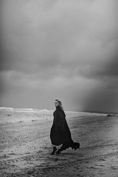 Publication: Vogue Italia November 2015 Model: Kate Winslet Photographer: Peter Lindbergh Fashion Editor: Clare Richardson Hair: Odile Gilbert Make-up: Tom Pecheux Photography Beach, Photography Women, Editorial Photography, Portrait Photography, Lifestyle Photography, Photography Ideas, Photography Training, Glamour Photography, Black White