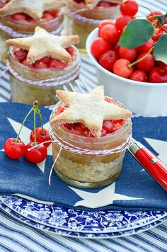 All American Cherry Pie in Mason Jars - Fourth of July Dessert Ideas - Memorial Day Dessert Ideas - Red White Blue Recipe Ideas - Easy Cherry Pie Recipe.