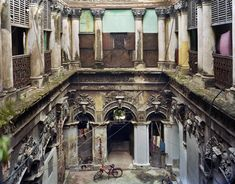 "Across the Threshold: Calcutta, by Laura McPhee.   ""Putul Bari (Dolls' House), North Kolkata, 2009."""