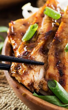 Ginger Lemongrass Teriyaki Grilled Chicken | This ginger lemongrass marinated chicken is grilled to perfection and brushed with a finger licking teriyaki glaze! Eating healthy never tasted so good! | http://thechunkychef.com