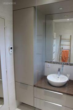 Rénovation d'une salle de bain, d'une salle d'eau avec du mobilier sur-mesure #mobilier #salledebain #architecture #angers  #madeinfrance
