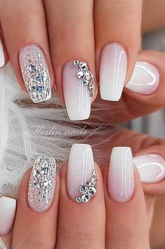 Square nails are bang on-trend this season, look great with any style and are easy to keep neat and tidy. Square nails are bang on-trend this season, look great with any style and are easy to keep neat and tidy. Classy Nails, Fancy Nails, Stylish Nails, Simple Nails, Pink Nails, Cute Nails, Gel Nails, Fingernails Painted, Acrylic Nails Coffin Short
