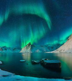 Aurore boréale sur les Îles Lofoten en Norvège