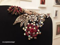Shoulder details are one of my favorite embellishment ideas. It really balances out my pear shape Couture Embroidery, Embroidery Fashion, Embroidery Jewelry, Hand Embroidery Designs, Beaded Embroidery, Embroidery Patterns, Sewing Patterns, Couture Details, Fashion Details