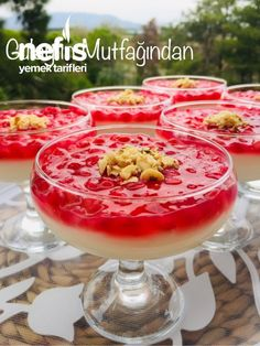 Delicious Desserts, Dessert Recipes, Yummy Food, Candles For Sale, Homemade Beauty Products, Coffee Break, Pomegranate, Birthday Candles, Food And Drink