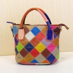b44a24bb6e31 The perfect handbag if you are a big fan of colors! Plus