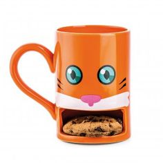 Orange cat face mug has a spot to store your cookie until you are ready for dipping! Perfect for milk and cookie, coffee and cookie, or tea and a biscuit Fun gift for Christmas, birthday, any day! Cat Coffee Mug, Coffee Cups, Mug Chat, Mug Original, Design3000, Orange Cookies, Pause Café, Mug Design, Face Mug