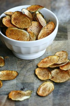 Oven Baked Zucchini Chips! A healthy and low carb way to enjoy chips!