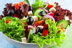 12 receitas de saladas para ficar saciada sem sair da dieta | MdeMulher