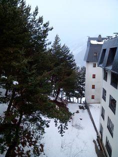 Caminando por la nieve ... #odalcaminar #educom1314 Snow, Outdoor Decor, Home Decor, Drive Way, Decoration Home, Room Decor, Eyes, Interior Decorating