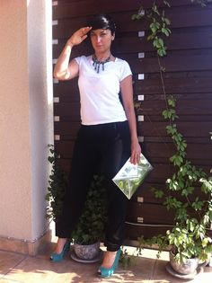 hair pin Expose Akcesoria, necklace vintage, t-shirt H, trousers a present from a Friend so I do not know - label free:)), shoes Zara, clutch H