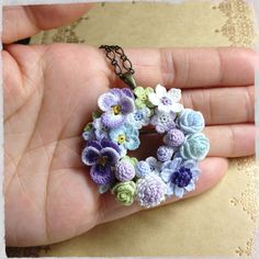Crochet flower wreath necklace So tiny Crochet Motifs, Crochet Flower Patterns, Crochet Art, Thread Crochet, Love Crochet, Irish Crochet, Beautiful Crochet, Crochet Crafts, Yarn Crafts