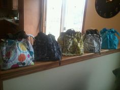 I am so in love with our new cinch it up thermal totes!!!!!!!!!!!  Get them by January 31st for only $15!!!  www.mythirtyone.com/thegiftof31
