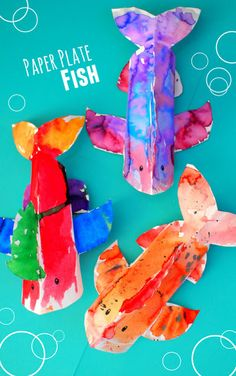 Colorful 3D Paper Plate Fish Craft - looks amazing! Love the colors!