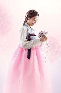 고객갤러리 > 신부한복 > 신부한복[신상디자인 PART 3.] Korean Hanbok, Korean Dress, Korean Outfits, Korean Traditional Dress, Traditional Fashion, Traditional Dresses, My Sassy Girl, Korean Design, Cute Korean