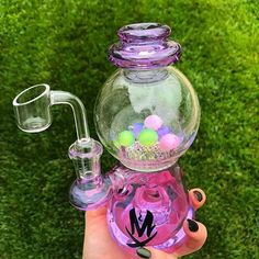 Reanice has been producing top-quality glass water pipes, and accessories for the past 5 years. Our Glass Blowers have over 10 years' experience in the trade and are very passionate about the craft.