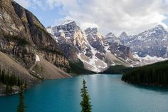 I learned this place exists because of Reddit and I finally got to see it this week. Moraine Lake, Banff National Park, Alberta Canada. [OC] [4608 x 3072] : EarthPorn