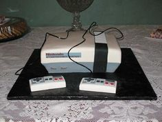 Video Game Groom's Cake < Screw that I'm having it for my bachelorette  party ;)