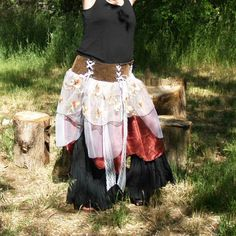 "Hip Belt Skirt Belly Dance Fusion Style. Just loving this style. This is a one size fits all. Corset style brown vinyl band that looks like leather., has 5 panels. Remove a panel or two for smaller hips. The measurement for 3 panels is approx 29"" hips or waist depending were you wear it. Add anot..."
